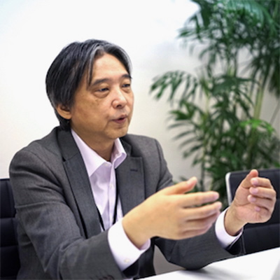 E.Kameyama